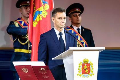 Владимир Сипягин (в центре)