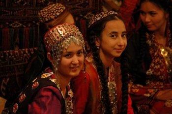 В Туркменистане на женщин устроили масштабную облаву в ресторанах и дискотеках
